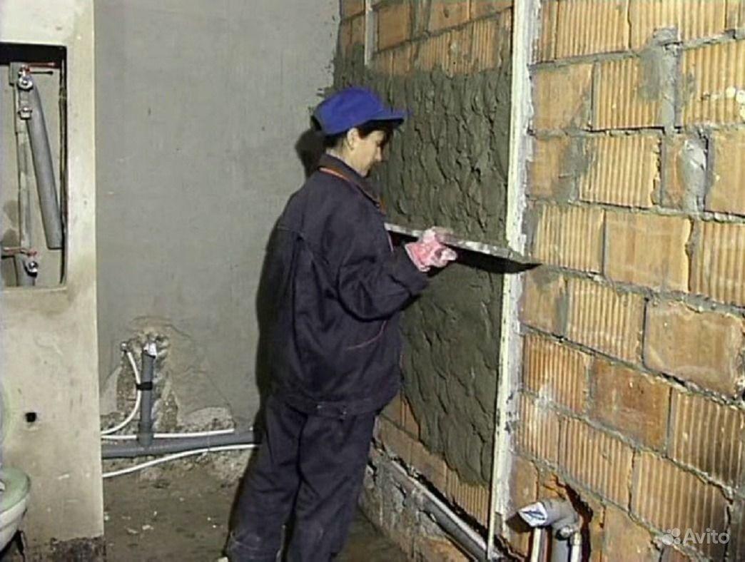 Выровнять стены на балконе.