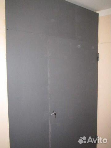 металлическая дверь для кладовки за лифтом