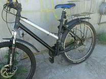 Велосипед с алюминиевой рамой