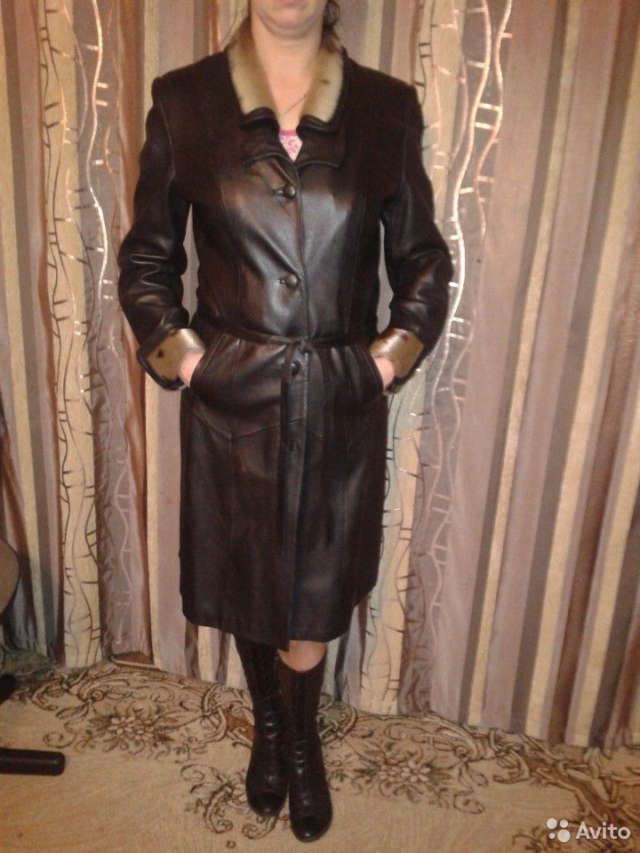 Пальто демисезонное. нат. кожа р. 48-50