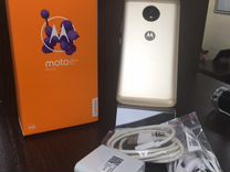 Телефон Motorola Moto E4
